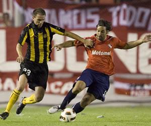 Independiente de Avellaneda, casi eliminado, visita a Peñarol/EFE