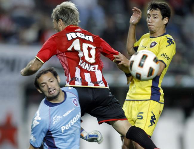 Estudiantes visitará a Cerro Porteño por un cupo a los cuartos de la Libertadores/EFE