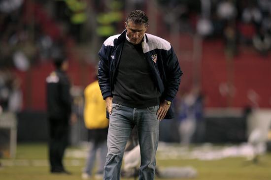 El entrenador de Liga de Quito de Ecuador, el argentino Edgardo Bauza/EFE