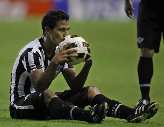 El jugador Sergio Aquino de Libertad de Paraguay/EFE