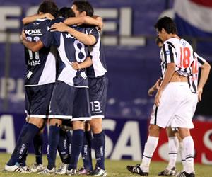 Vélez Sarsfield derrotó 2-4 a Libertad en Asunción/EFE