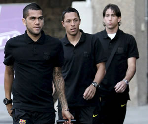 Barça se instala en su hotel de Londres tras hora y veinte de viaje