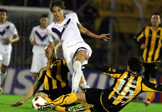 Peñarol derrotó un gol por cero a Vélez en la ida de la semifinales/EFE