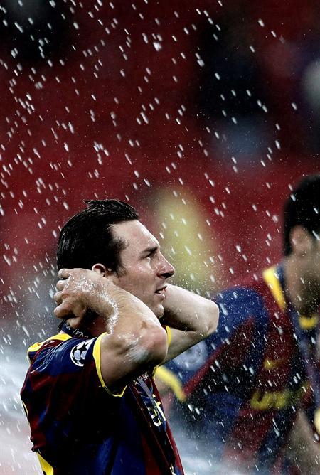 El delantero argentino del FC Barcelona Lionel Messi celebra la victoria/EFE