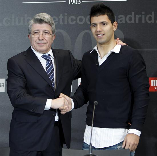 ¿Cuánto mide Sergio Kun Agüero? - Altura - Real height - Página 3 F00d0fc1a86448af82d6685e39a10969