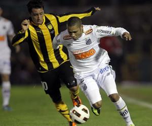 Santos sacó un empate ante Peñarol en Montevideo