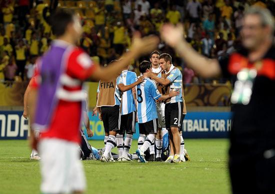 Jugadores de la selección sub 20 de Argentina se lamentan después de perder ante Portugal/EFE