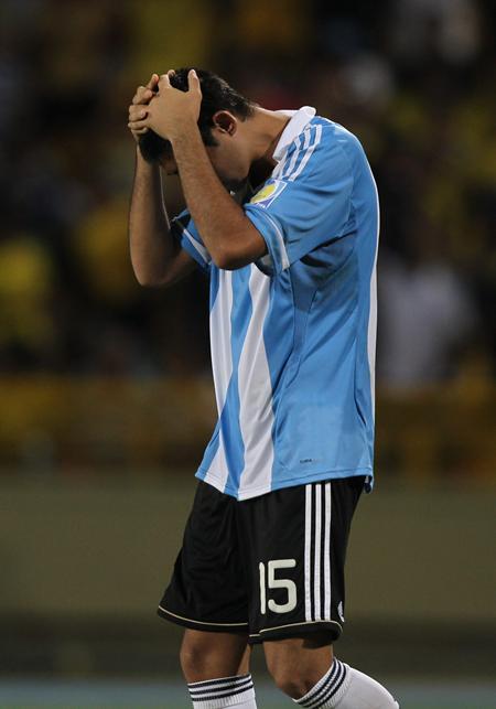 El jugador de la selección sub 20 de Argentina Alan Ruiz se lamenta después de la eliminación ante Portugal/EFE