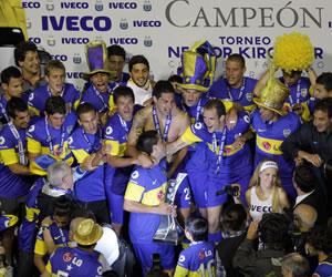 Los jugadores de Boca Juniors celebran la obtención de un nuevo título en Argentina/EFE