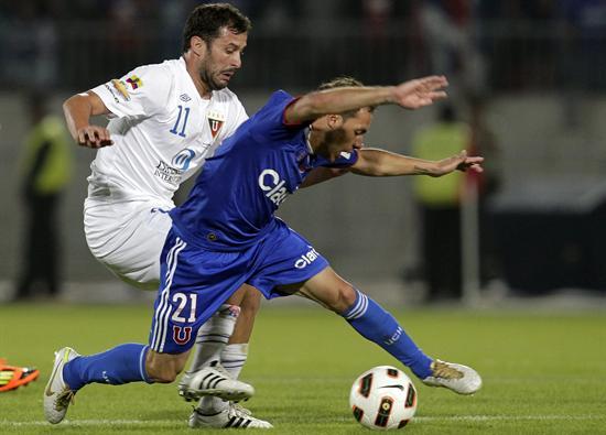 Sampaoli le ganó el duelo y la Sudamericana a Bauza