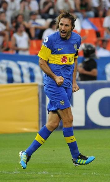 Rolando Schiavi, uno de los mejores defensa de América en el 2011. Foto: EFE