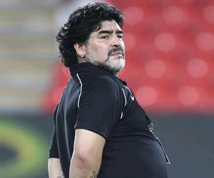 Maradona recibe el alta tras ser operado