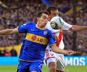 Boca y River juegan histórico amistoso de verano