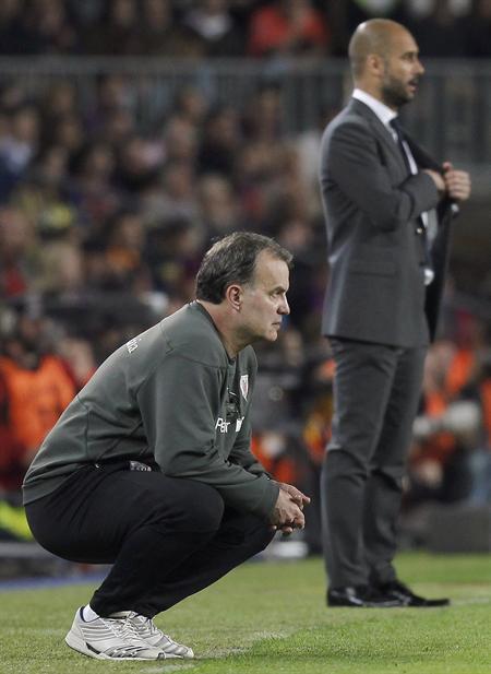 Marcelo Bielsa junto Josep Guardiola en el duelo Barsa-Athletic. Foto: EFE
