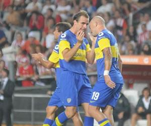 El 'Tanque' Silva vuelve a marcar en un mejorado Boca