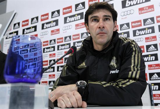 El segundo técnico del Real Madrid, Aitor Karanka, en la conferencia de prensa. Foto: EFE