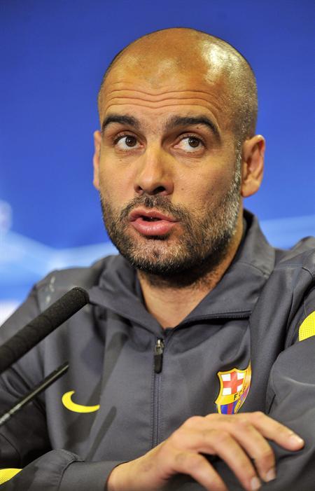 El entrenador del FC Barcelona, Josep Guardiola, ofrece una rueda de prensa en Stamford Bridge, Londres. Foto: EFE