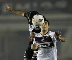 Lanús perdió en Río ante Vasco en un buen resultado