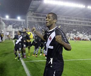 Vasco resucitó en la tanda de penaltis y saca a Lanús de la Libertadores