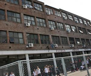 Amenaza de bomba en colegio de Independiente atribuida a barras bravas
