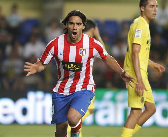 El delantero colombiano del Atlético de Madrid Radamel Falcao celebra su gol ante el Villarreal CF. Foto: EFE