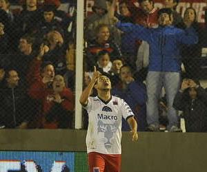 Tigre goleó a Newell's y ahora los dos comparten la cima del Clausura