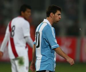 'Si (Messi) no pudo rendir es porque es ser humano': Sabella