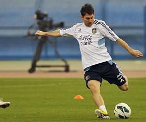 Arabia Saudita calibra, en plena euforia, a la Argentina de Messi