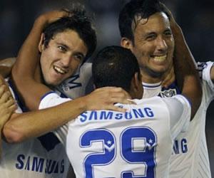 Vélez sigue comandado el Inicial al derrotar a Quilmes
