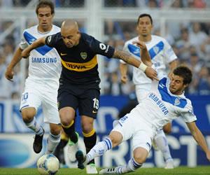 Boca Juniors vence a Racing en casa