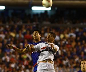Sao Paulo busca domar a Tigre para ganar su primer título de Sudamericana
