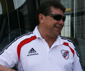 Solassi: 'Todos sabemos que Bianchi es hincha de River, yo le propondría dirigir al club'