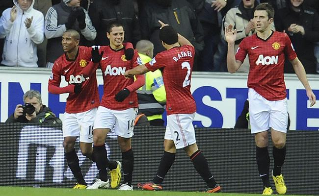 Manchester United mantiene a raya al City de los argentinos