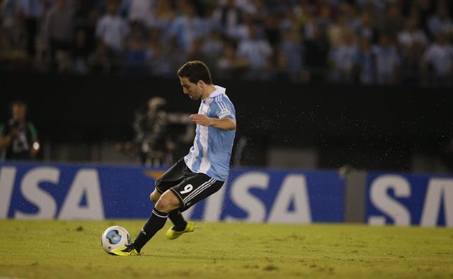 Gonzalo Higuain de la selección nacional de Argentina. Foto: EFE