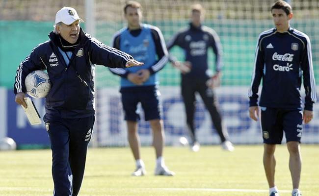 Sabella evita dar señales sobre la alineación de Argentina. Foto: EFE