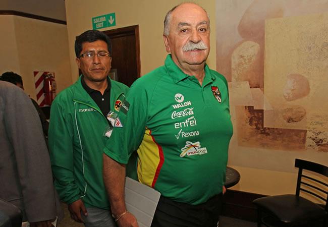 El seleccionador boliviano, el español Xabier Azkargorta. EFE