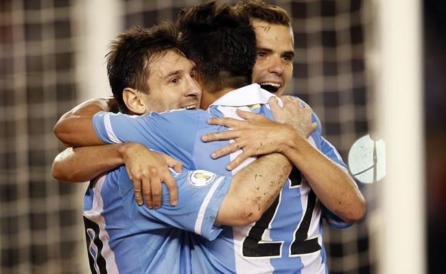 A Messi le falta carácter, dice la hija del seleccionador argentino Sabella. Foto: EFE