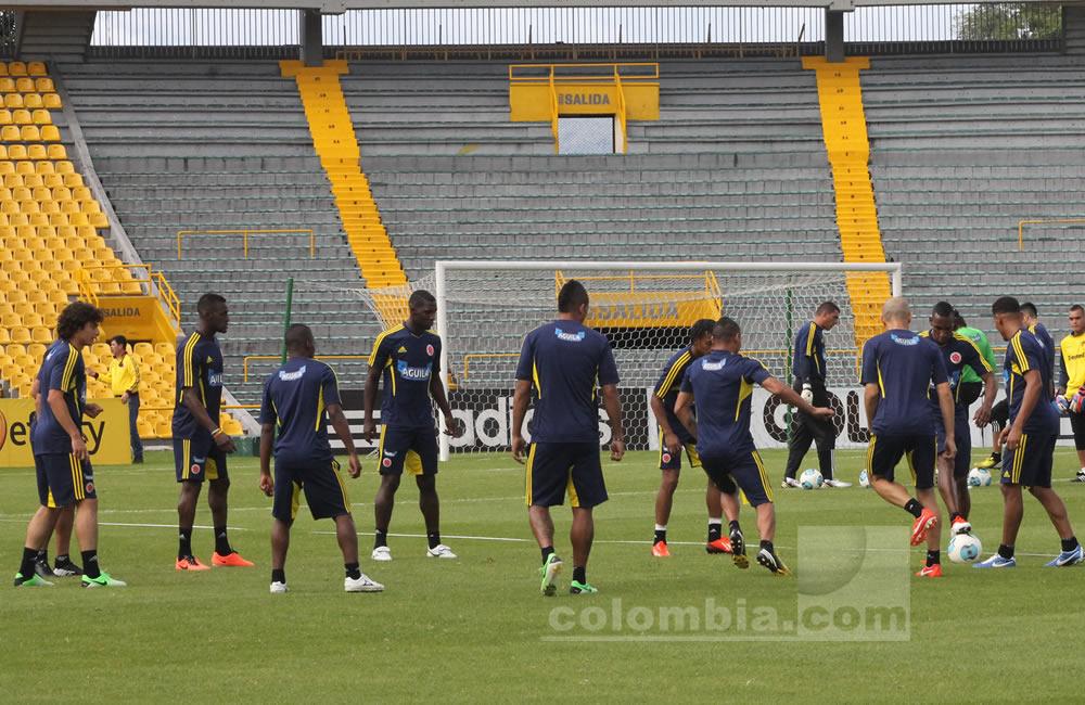 Los jugadores de Colombia hacen un trabajo recreativo en el estadio Nemesio Camacho 'El Campín'. Foto: Interlatin