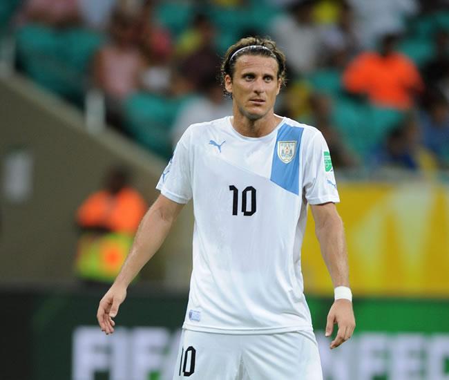 El jugador de Uruguay Diego Forlán gesticula ante Nigeria. Foto: EFE