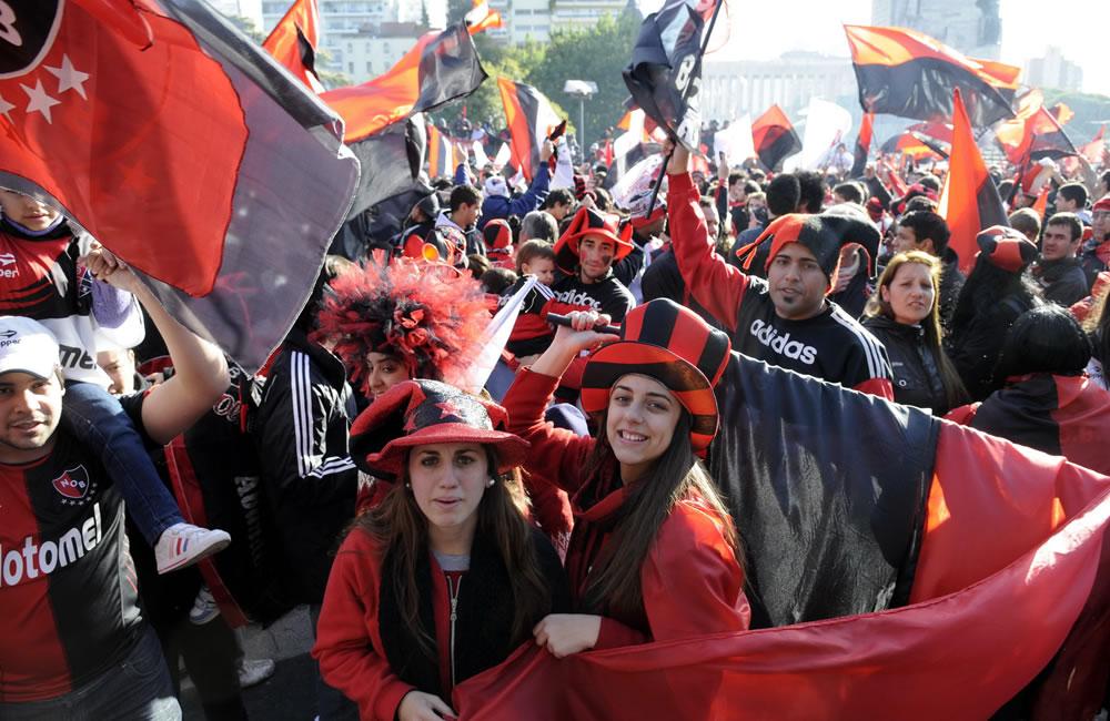 Los hinchas de Newell's coparon el Monumento y las calles de Rosario