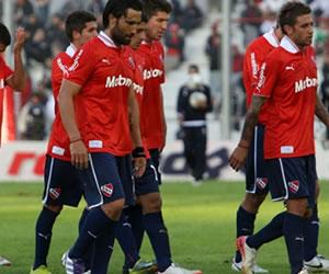 Colón igualó con Independiente