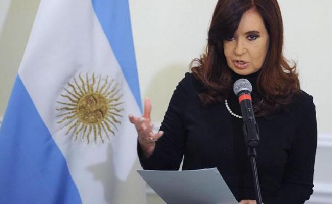 La presidenta Fernández no acepta la imposición de su nombre a un estadio