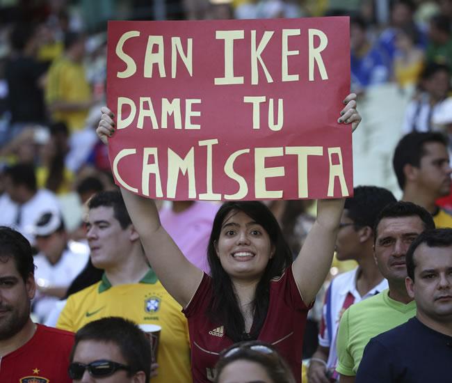 Una seguidora de la selección española de fútbol. Foto: EFE