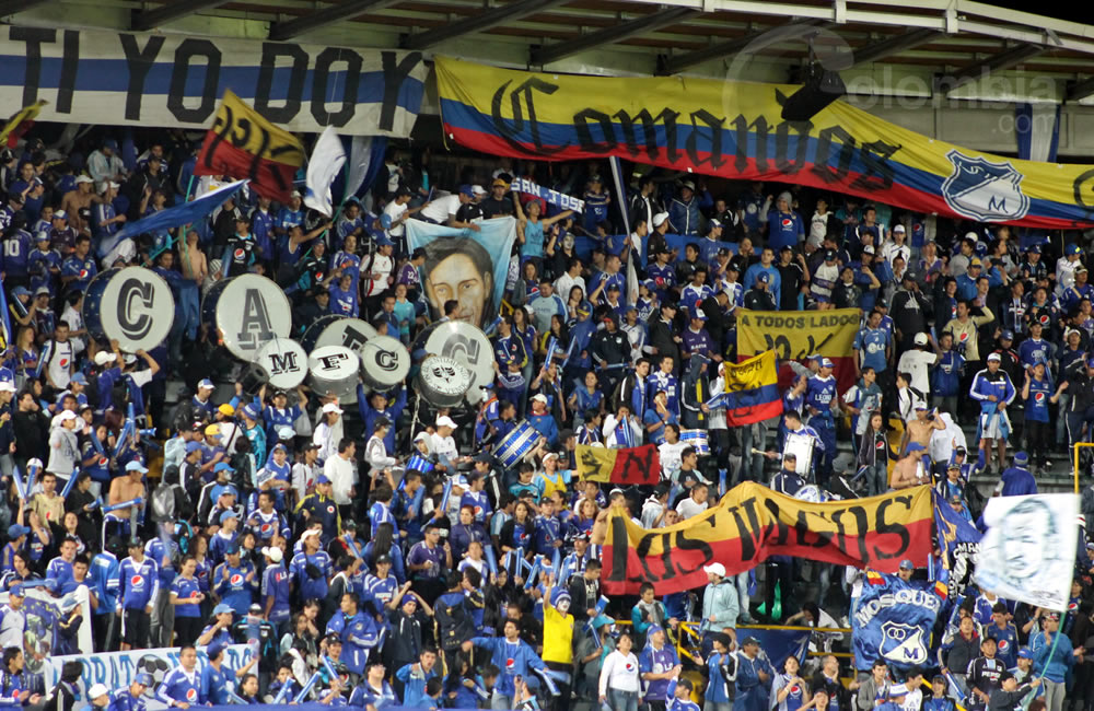 Los aficionados de Millonarios apoyan a su equipo. Foto: Interlatin