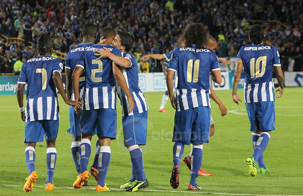 Los jugadores del Oporto celebran el primer gol del partido. Foto: Interlatin