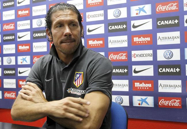 El argentino Diego Simeone, DT del Atlético de Madrid, en Majadahonda, durante la rueda de prensa. Foto: EFE