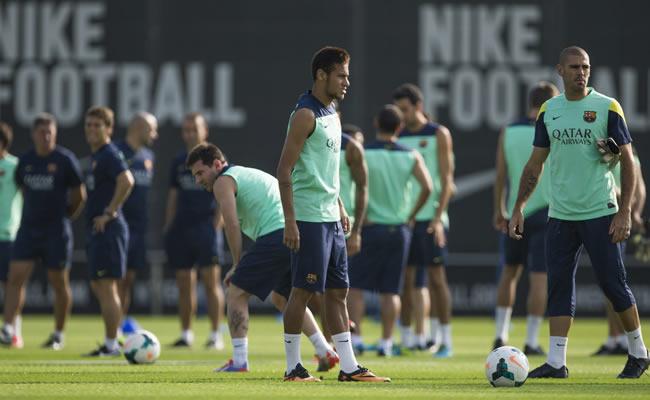 Valencia aspira a rectificar su inicio y el Barcelona a ratificarlo. Foto: EFE