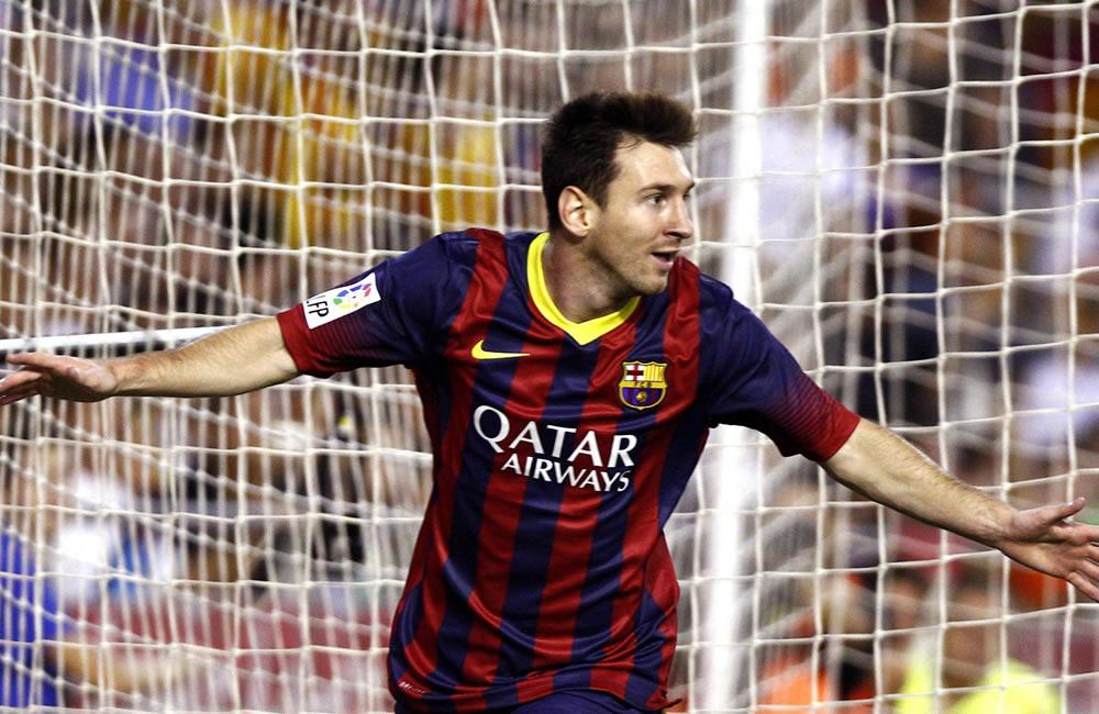 El delantero argentino del FC Barcelona Leo Messi celebra su gol, primero del equipo. Foto: EFE