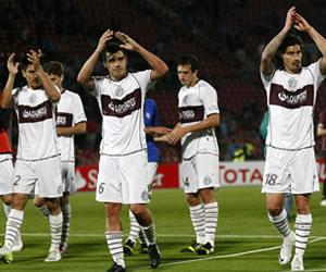 Lanús elimina a la U de Chile y espera en cuartos a Liga de Loja o River