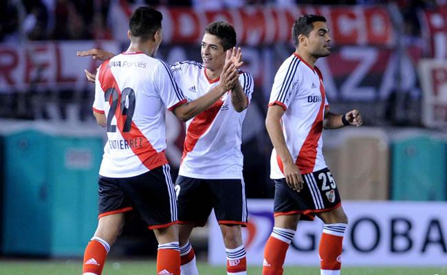 River Plate y Boca Juniors en un superclásico con mucho en juego. Foto: EFE